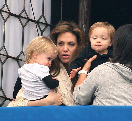 Angelina-Twin-Son-Knox